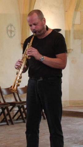 Photo Jörg Linke Solo-Performance (hier am Sopransaxophon).